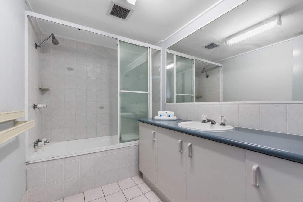 Surf-comber-unit-4-Maroochydore-Cotton-Tree (13)