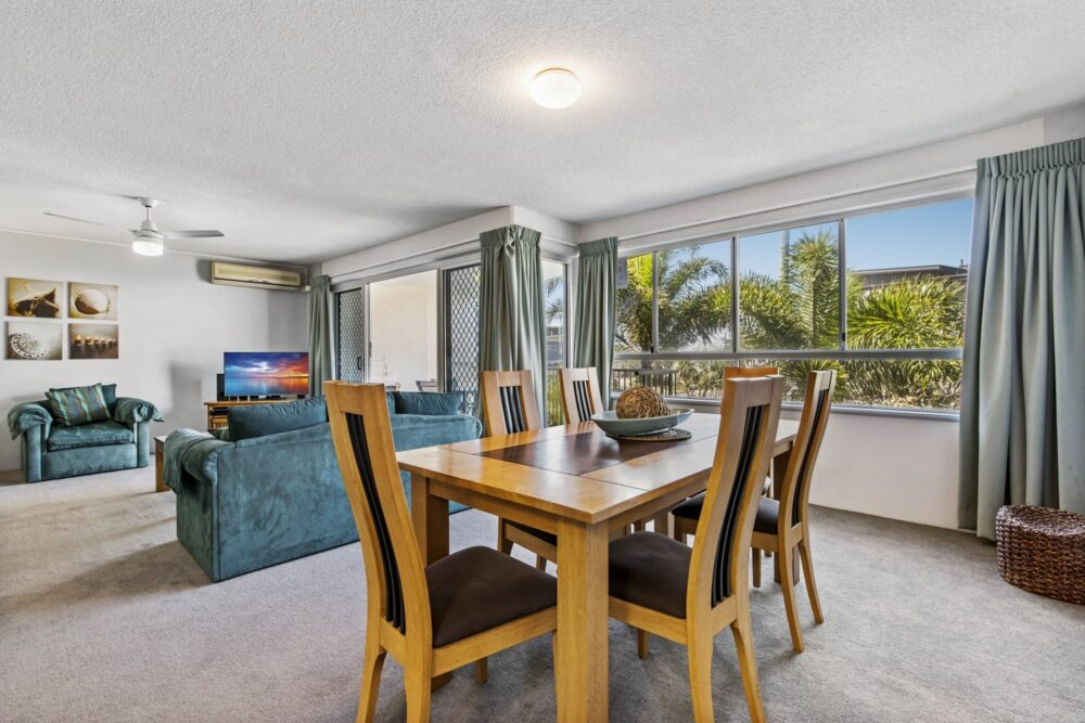 Surf-comber-unit-4-Maroochydore-Cotton-Tree (4)