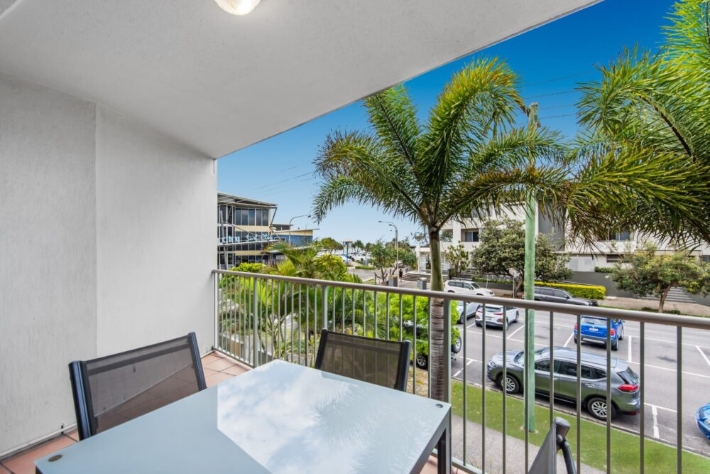 Surf-comber-unit-4-Maroochydore-Cotton-Tree (9)